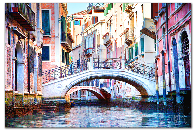 Mo_gondola_canal01_sm